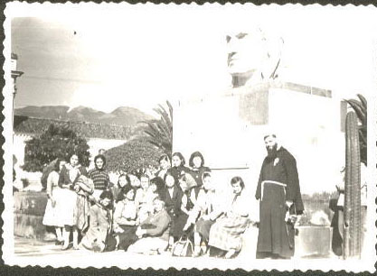 Padre Guillermo 004j_1958 Ana Maria Caicedo